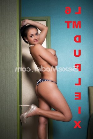 Kanza massage lovesita escort girl à Coulaines