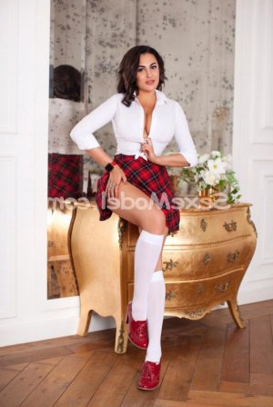 Tanisha 6annonce massage naturiste escorte