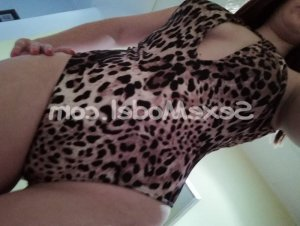 Illiana escort girl à Jouars-Pontchartrain